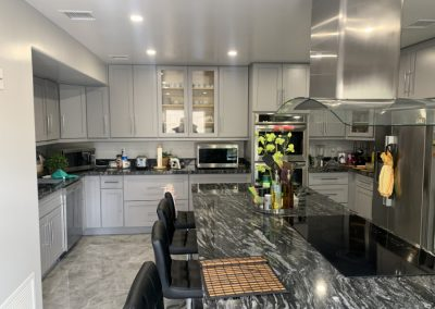 Image highlighting a close up view of the kitchen island in new remodel
